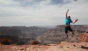 Un saut de joie au Grand Canyon